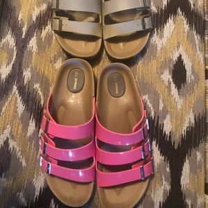 Shoes - On the go! 3 strap Slip Ons